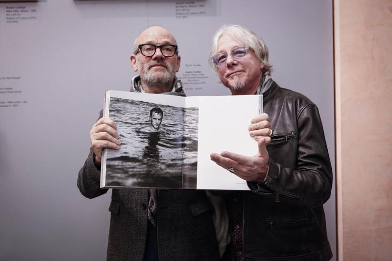 R.E.M. & Paul Smith insieme per celebrare in 25° anniversario di Automatic for The People. Le fotografie dell'album creano una linea dal design esclusivo