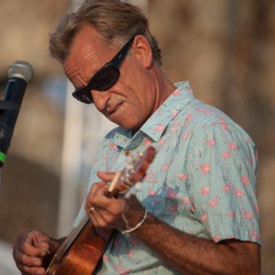 Spiaggia di Santa Severa (ROMA). Tom Curren. Surf, viaggi e musica si fondono e diventano essenza della sua anima, puro stile di vita.