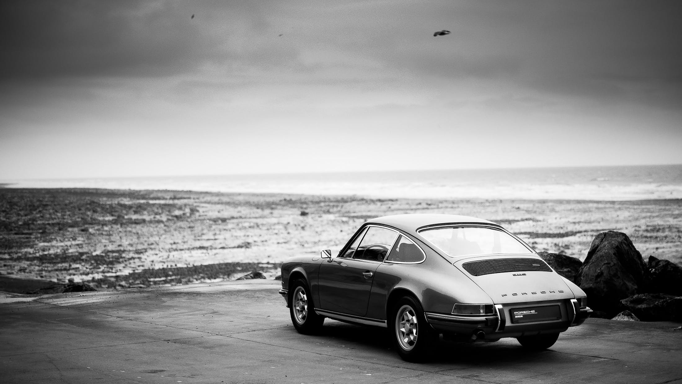Porsche compie 70 anni. Per l'occasione continua il tour italiano Sportscar Together, che toccherà le località più belle d'Italia patrocinate dal FAI.