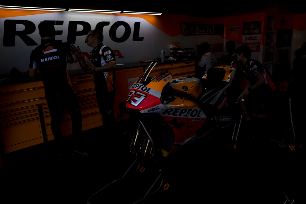 Il campionato della MotoGPè sempre piùentusiasmante e mozzafiato, con i suoi sorpassi/duelli tra piloti che, soprattutto in gara, non concedono nulla.