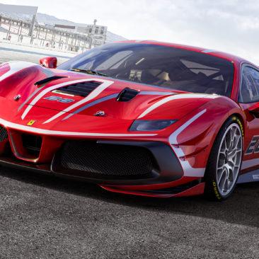 La casa di Maranello ha deciso di sorprendere piloti e appassionati, presentando in anteprima la nuova 488 Challenge Evo.