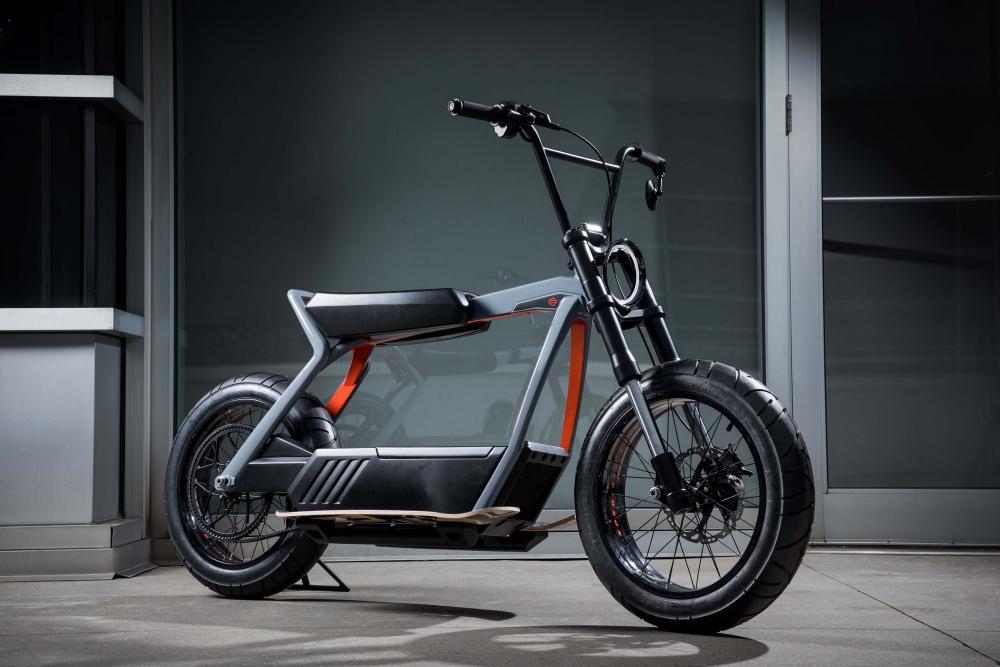 L'Eicma, Esposizione Internazionale Cicli e Motocilci, torna e come sempre lo fa proponendo novità all'avanguardia nel campo motociclistico.