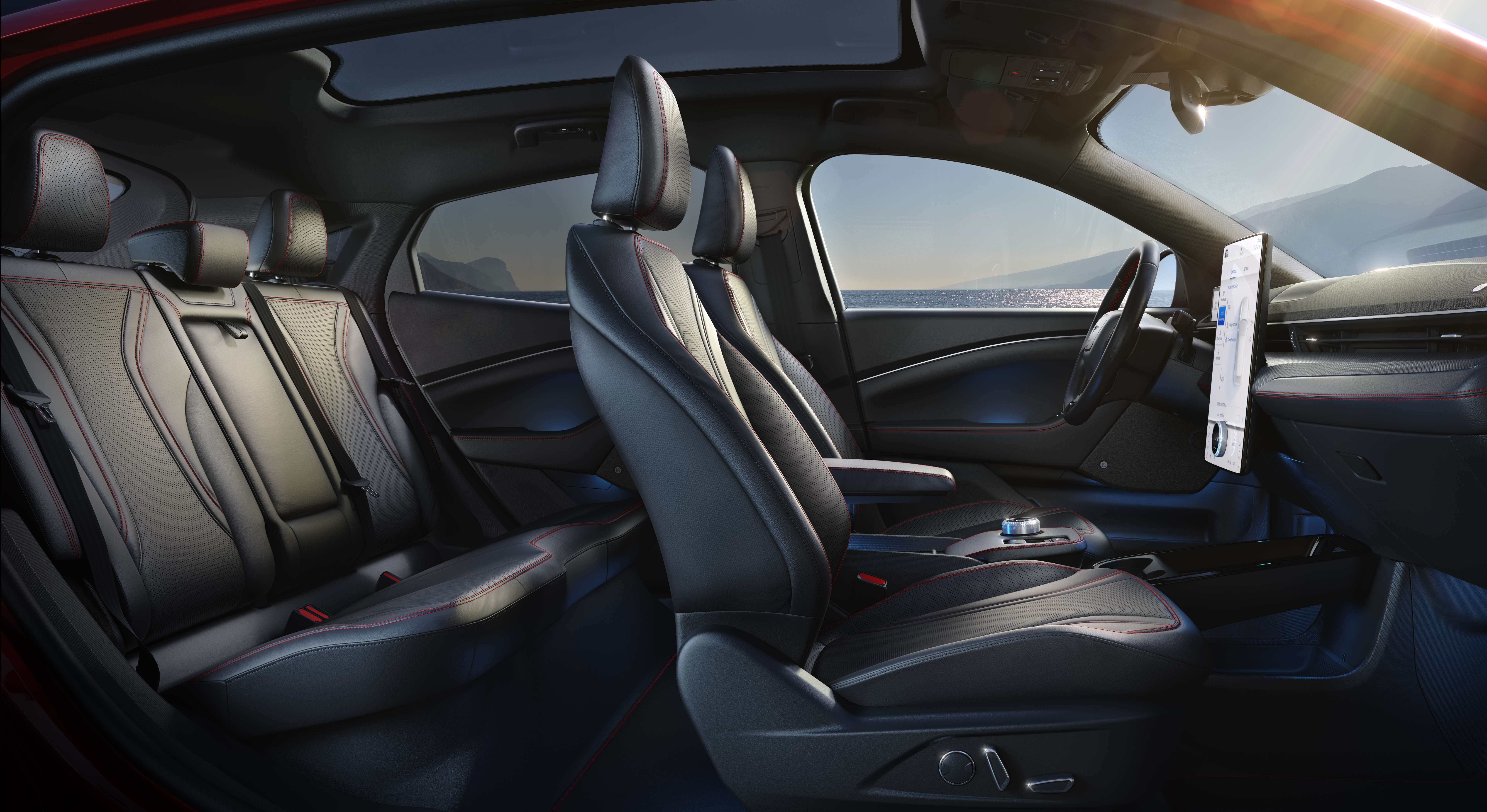 """il Mustang Mach-E trasmette subito sì potenza e """"muscolosità"""", ma anche stile e cura nel dettaglio, sia esternamente che internamente."""
