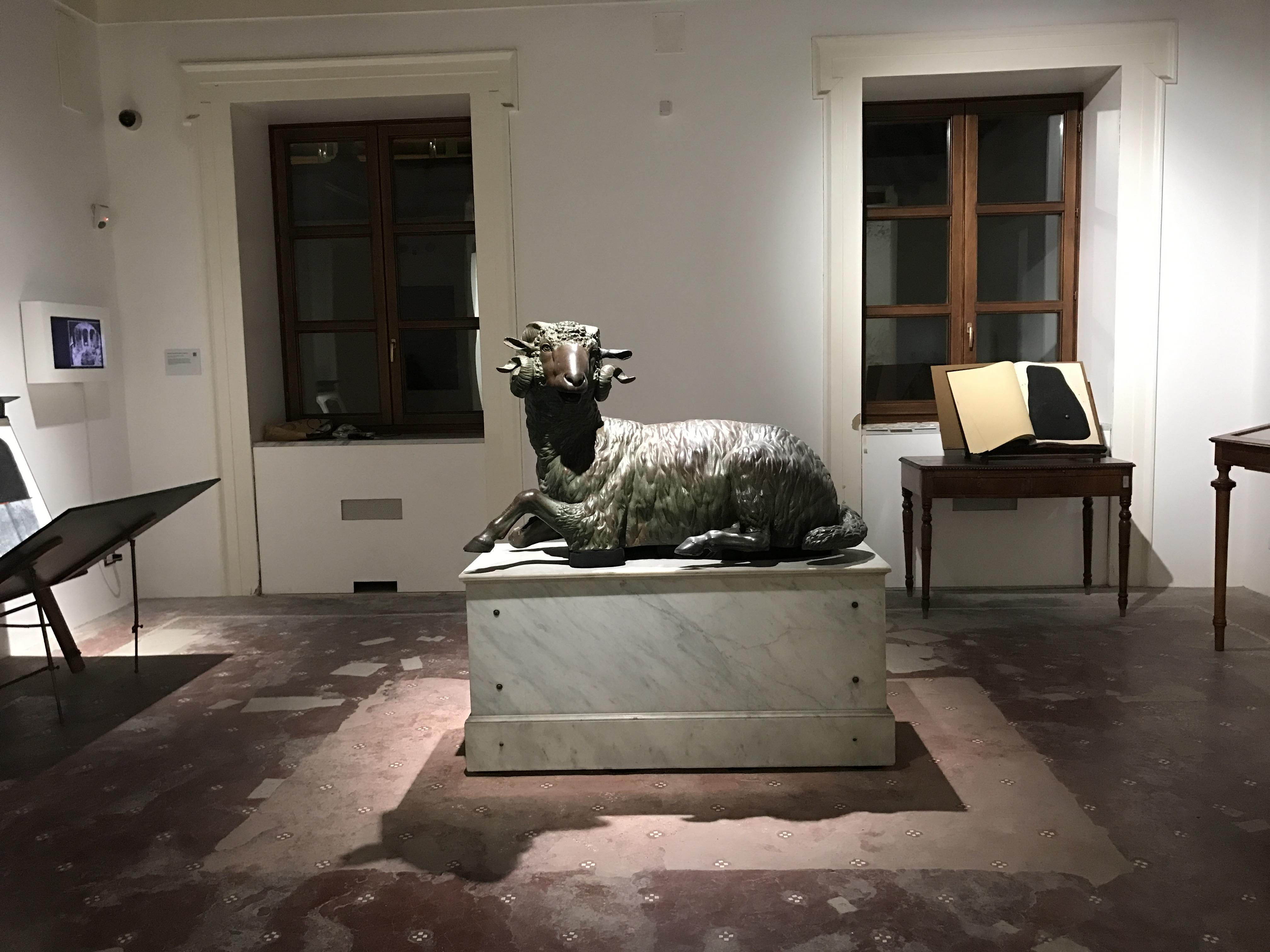 """Il Museo Salinas di Palermo, con la sua storia ricca di due secoli, ospita """"Quando le statue sognano"""" frammenti da un museo in transito"""