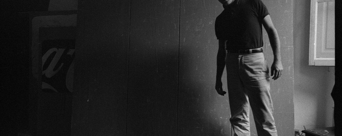 """La mostra """"Mario Schifano. Qualcos'altro"""" presso la Galleria Gió Marconi di Milano è dedicata ad un gruppo di monocromi realizzati tra gli anni '60 e '62."""