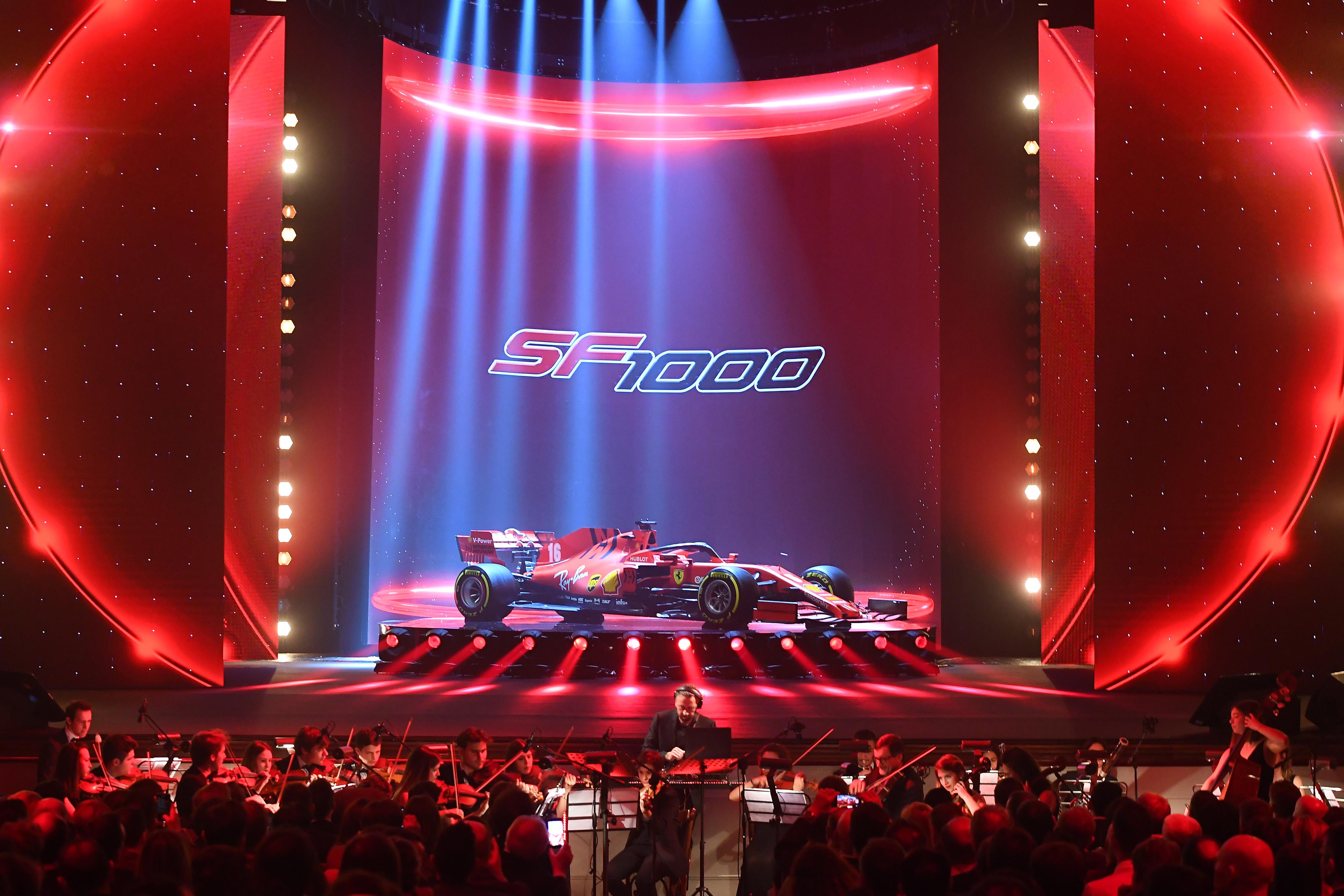 A Reggio Emilia, presso il Teatro Municipale Romolo Valli, è stata presentata la nuova Ferrari SF1000 che correrà nella stagione 2020 di F1. Costruita interamente a Maranello, la Ferrari SF1000 è stata presentata,in una serata di gala, dal Team principal della scuderia Mattia Binotto