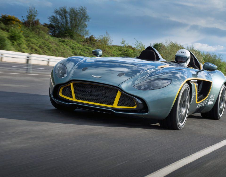 Aston Martin nuova V12 Speedster