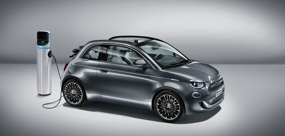 Il gruppo FCA ha cavalcato, in grande stile, l'onda del green, presentando la Nuova 500 full electric. Per la 500 del futuro, Fiat si è ispirata al passato