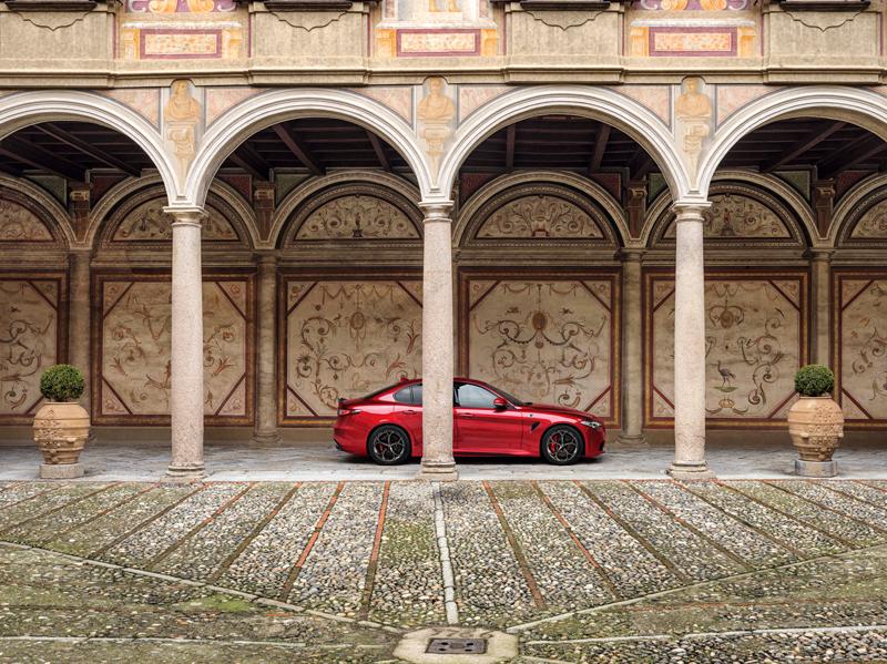 Alfa Romeo non rinuncia al suo spirito dinamico e presenta le nuove Giulia e Stelvio Quadrifoglio MY20.I colori richiamano l'heritage del marchio