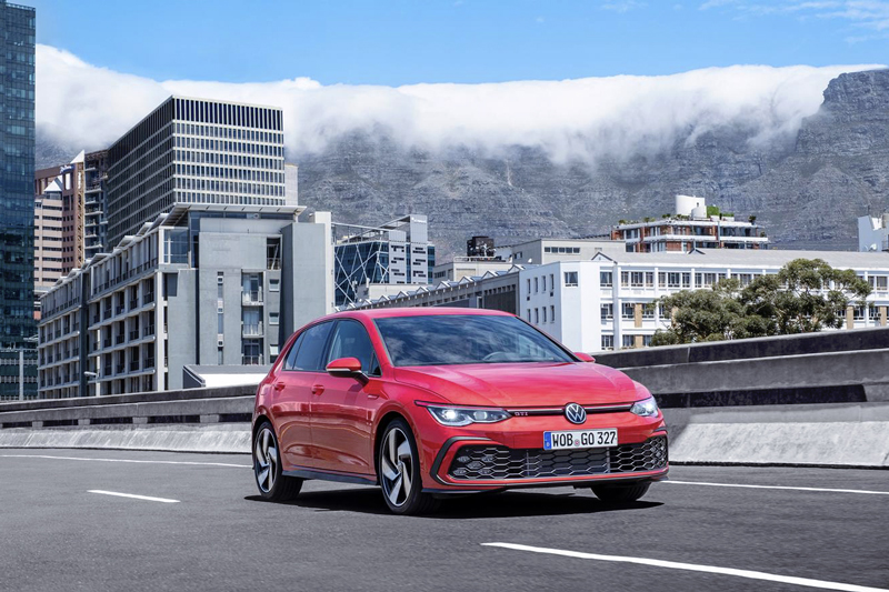 Volkswagen unveiled the new Golf GTI now in its eighth generation. Pure concentrate of power and high-tech technology of the digital era