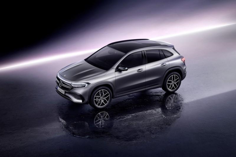 """Mercedes EQA la nuova sfida del brand di Stoccarda verso il futuro, che prevede la sostituzione dei suoi veicoli con quelli """"full electric"""""""