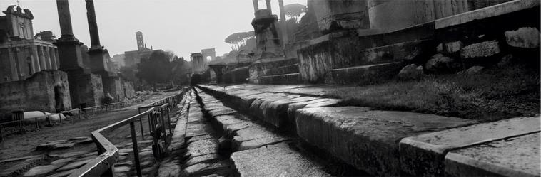 Il Museo dell'Ara Pacis di Roma, ospita la mostra dedicata a Josef Koudelka. Radici. Viaggio alla ricerca delle radici della storia umana.