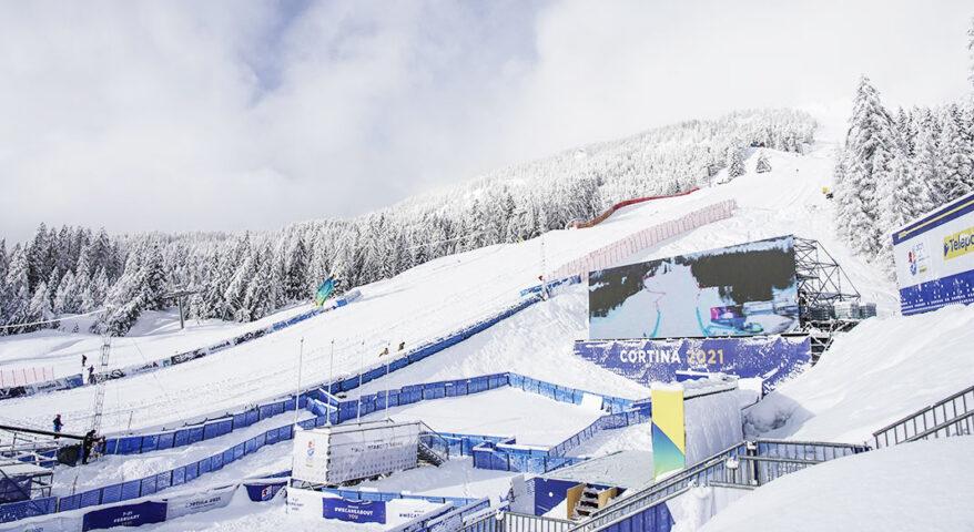 Cortina 2021 Mondiali di sci alpino, l'avventura stenta a partire. Complice ancora le condizioni meteo che ne posticipano ancora l'avvio.