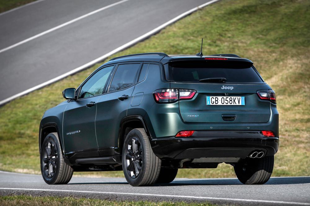 """La nuova Jeep Compass si evolve valorizzando il suo design, la tecnologia, sicurezza e funzionalità. Parla un linguaggio molto più """"europeo"""""""