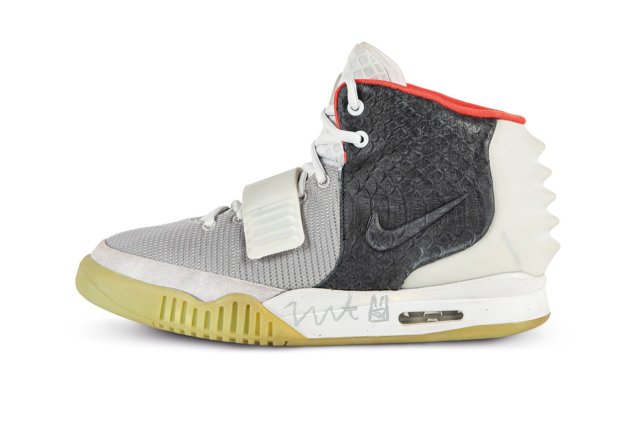 NIKE AIR YEEZY 2 'MISMATCH' SAMPLE SIGNED BY KANYE WEST