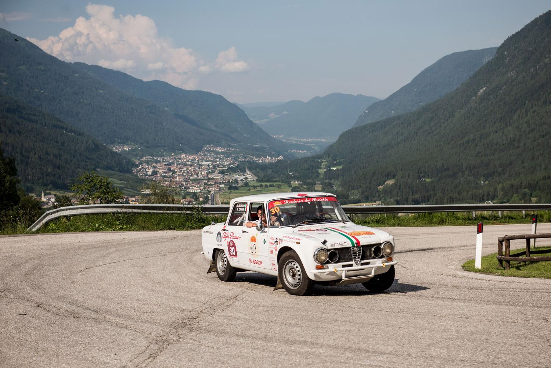 """La rievocazione storica della """"Stella Alpina"""", gara di regolarità classica, giunta alla sua 36ª edizione si è conclusa questo fine settimana."""