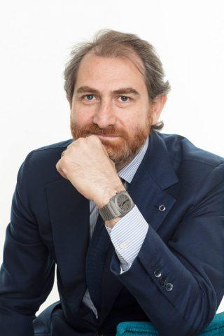 Octo Finissimo Tattoo Aria di Bulgari . Un orologio che unisce due arti: i tatuaggi e la meccanica. Nato dall'idea di tre amici.