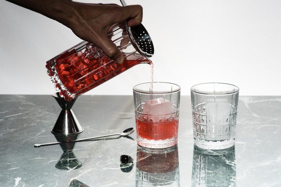 """La Settimana del Negroni è la settimana in cui sua Maestà """" Negroni"""", re di tutti i drink, viene """"glorificato"""" nella sua forma pura."""