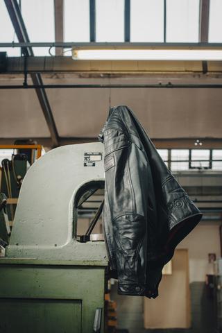 Timberland lancia una nuova collezione en edizione limitata, per celebrare i 100 anni di Moto Guzzi. Stivali, giacche in pelle e t-shirts.